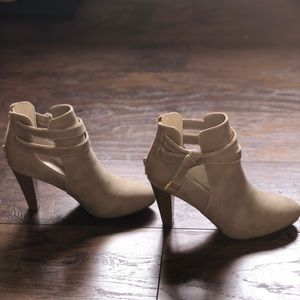 JLO Ankle boots